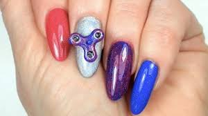 fidget spinner nails are now a thing
