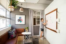 bureau locaux déco bureau design les locaux uniques d airbnb à syndey
