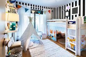 chambre fille avec lit superposé chambre à coucher d enfant avec le tipi et le lit superposé image