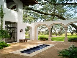 Court Yards by Spanish Style Homes With Courtyards Small Makeovers Courtyard