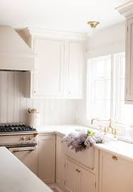 can cabinets be same color as walls ideas and tips for painting walls and trim the same color