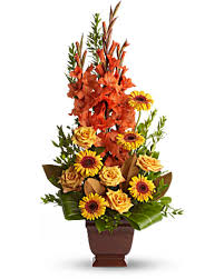 flowers arrangement teleflora s sentimental dreams flower arrangement teleflora