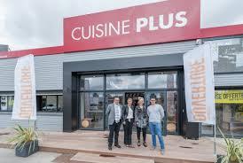 magasins cuisine l équipe du magasin cuisine plus aubagne cuisine plus cuisine plus