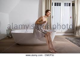 Women Bathtub Women In Bathtub Best Bathtub Design 2017