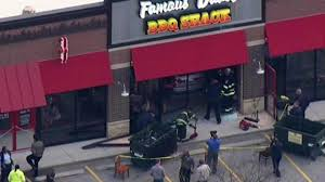 car crashes into famous dave u0026 39 s restaurant in evergreen park