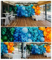 Balloons On Sticks Centerpiece by Best 25 Balloon Wall Ideas On Pinterest Balloon Wall