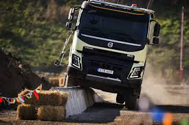 volvo truck design new volvo trucks video four year old remote controls truck into
