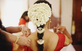 Flower Garland For Indian Wedding 5 Flowers That Are Important To Hindus And Its Meaning Article