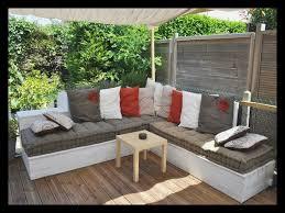 coussin pour canapé de jardin coussin pour salon de jardin en palette fashion designs