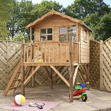 maisonnette de jardin enfant la cabane de jardin pour enfant est une idée superbe pour votre