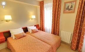 chambre virtuelle chambre hotel lourdes