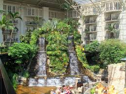 discover gracious and grand gaylord opryland travelroads com
