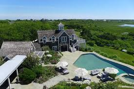 heather dubrow new house pictures of kourtney kardashian u0027s nantucket vacation home