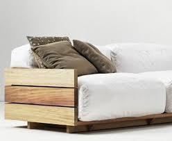 fabrication canapé en palette comment fabriquer un canapé en palette tuto et 60 idées