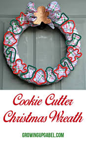make a cookie cutter wreath for your favorite baker or your