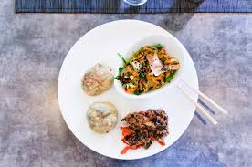 apprendre à cuisiner japonais recette de cuisine japonaise oyakis et salade de légumes sous