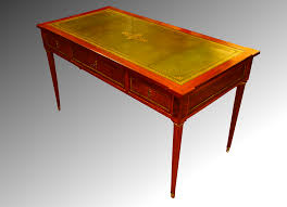 bureau vert bureau plat en acajou de cuba cuir vert réhaussé d or fin