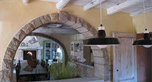 arco in pietra per interni casali e rustici di stile foto 29 40 design mag