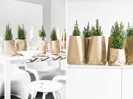 weihnachtliche tischdeko in gold schön bei dir by depot