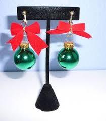 tacky ornament green glittery balls dangle earrings