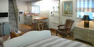 Bell Barn Indian Head Blue Door Barns Beddingham Near Lewes Sussex Hotel Reviews
