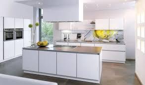k che wei hochglanz küche in hochglanz weiss und arbeitsflächen aus granit wellmann l