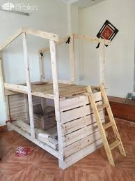 Bunk Bed Headboard Outstanding Pallet Kids Bunk Beds With Playhouse U2022 1001 Pallets