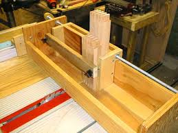 Free Woodworking Plans For Table Saw by Box Joint Jig For Ryobi Bt3000 Bt3100 Ryobi Bt3000 Pinterest
