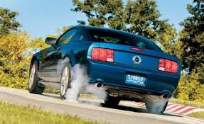 2006 mustang gt weight 2006 ford mustang gt 10best cars features car and driver