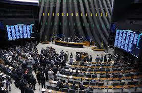 chambre des deputes les députés brésiliens adoptent une loi en faveur de la neutralité
