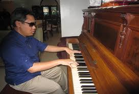 Blind Piano Player This Blind Pianist Has Performed Before Presidents And The Pope