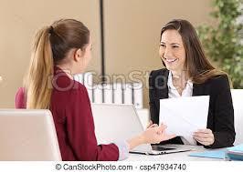 metier dans les bureau entrevue assister métier patron bureau bureau photo de
