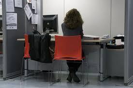 bureau du chomage bruxelles critique ciné bureau de chômage l exclusion menace cinéma