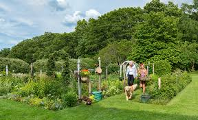 Family In The Garden Nurturing A Historic Seacoast Family Garden New Hampshire Home