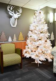 Christmas Decoration For Hospital by Our Holiday Makeover At The Children U0027s Hospital Young House Love