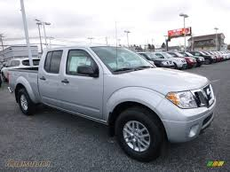 nissan frontier crew cab 2017 nissan frontier sv crew cab 4x4 in brilliant silver 706157