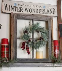 Diy Window Sill Christmas Decorations by Best 25 Christmas Decorations For Windows Ideas On Pinterest