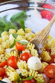 caprese pasta salad recipe wonkywonderful