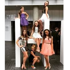 nia dance moms girls 2015 dance moms girls posing at the astra awards top left to right