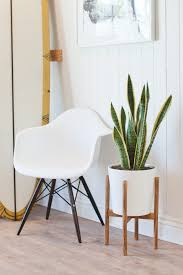 if you u0027re looking for a stylish yet minimalist plant stand this