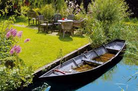 Italian Garden Ideas Italian Garden With Small Boat Garden Ideas Gardening Ideas