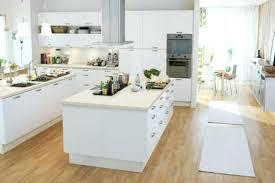 petit ilot central cuisine ilot central blanc image cuisine avec arlot central blanc frank