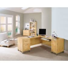 amazon com somerset 71w l shaped desk in maple cross kitchen