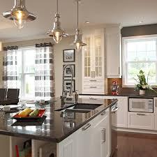 comptoir de cuisine noir cuisines beauregard cuisine réalisation 260 îlot de cuisine en