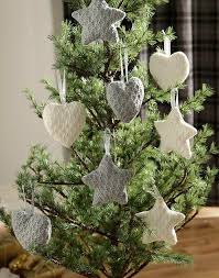 Christmas Decorations For Homes Best 25 Knitted Christmas Decorations Ideas On Pinterest
