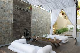 Moroccan Patios Courtyards Ideas Photos Decor And Inspirations - Modern moroccan interior design