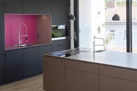 glaspaneele küche mtb küche in schleiflack cappucino und nussbaum natur