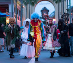when halloween horror nights 2015 3 reasons why you must visit halloween horror nights 25 around