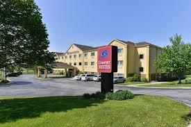 Comfort Inn At The Zoo Omaha Hotel Comfort Suites Omaha Ne Booking Com