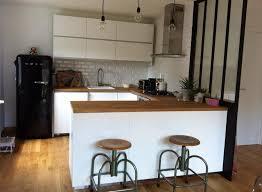 cuisine et blanc cuisine et blanche avec bois et verrière industrielle nb